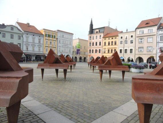 Nebankovní půjčka České Budějovice – peníze na směnku bez registrů