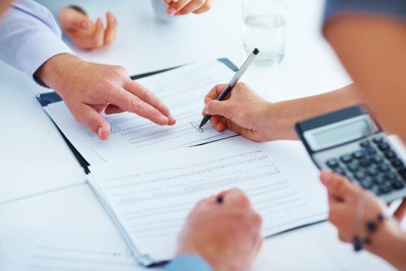 Jaká půjčka vám umožní získat peníze ihned na účet? Poradíme vám tu nejlepší!