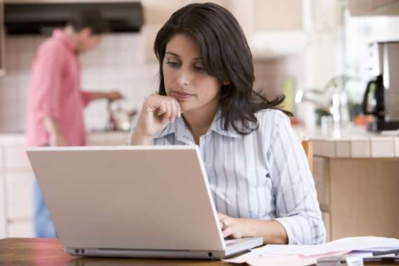 Tato nová online půjčka Vám umožní získat až 12 tisíc korun. A to i pro ženy na rodičovské.